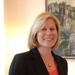 Lynne, Director
